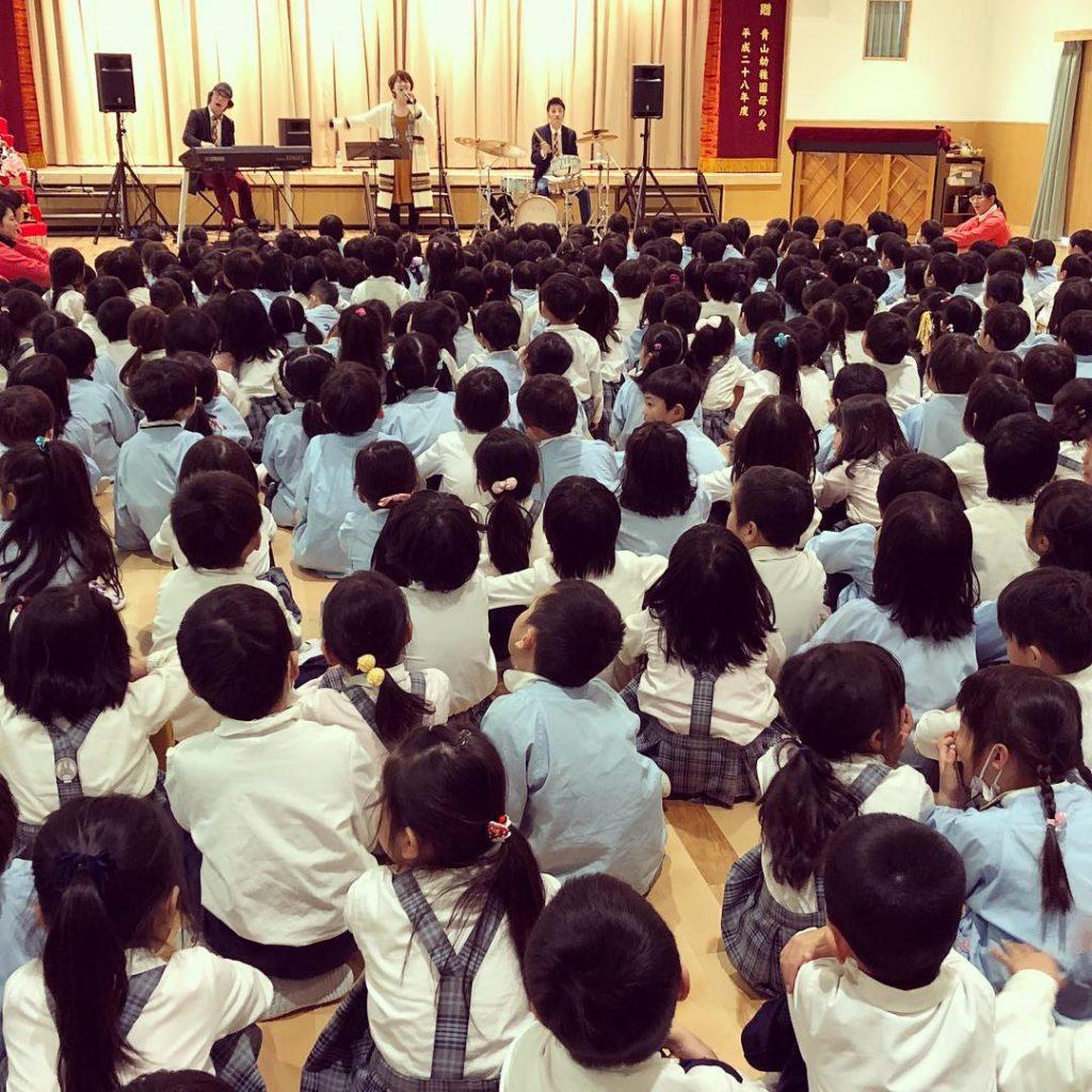 幼稚園でジャズコンサート